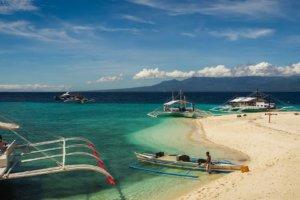 Beach Sumilon Island, Philippines