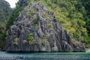 Остров с озером Barracuda, Филиппины