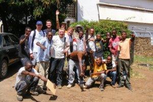 Команда сопровождающих на Килиманджаро