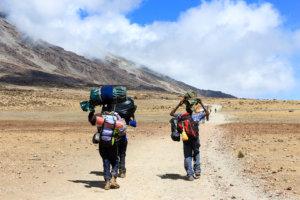 Носильщики на Килиманджаро