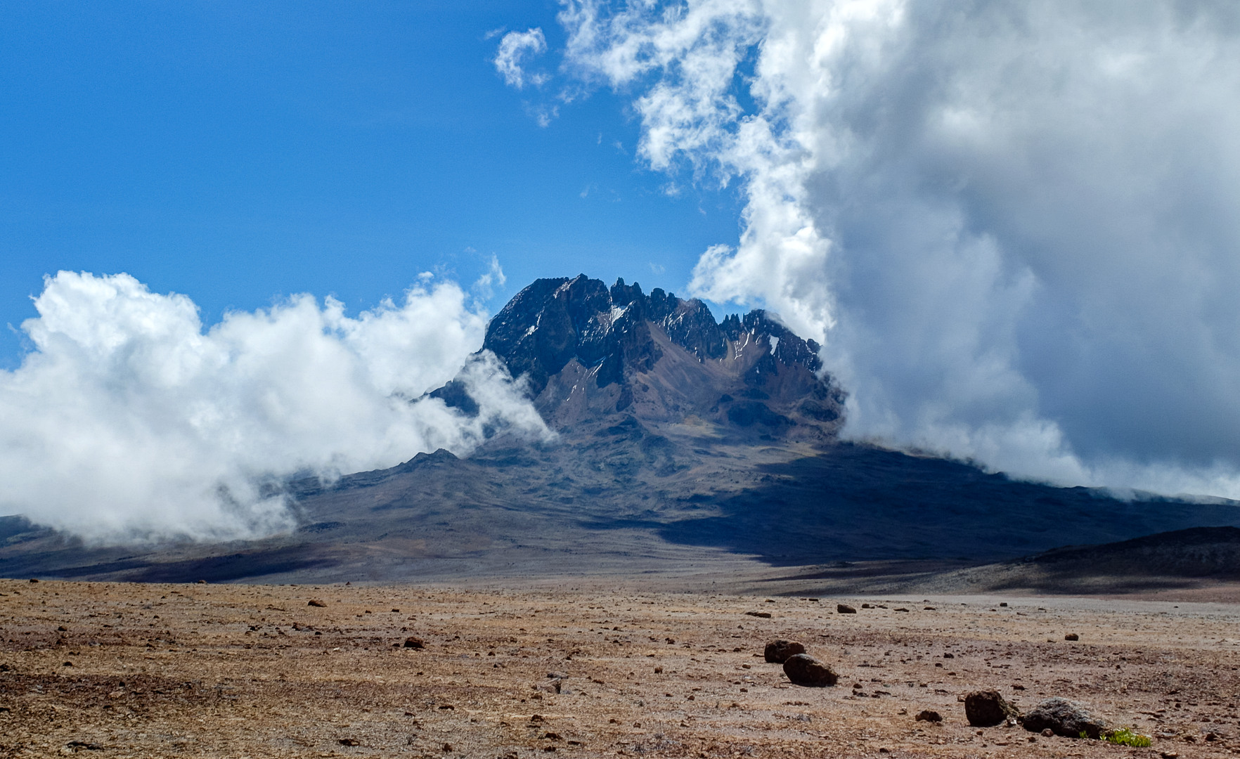 Пик Мавензи, Килиманджаро