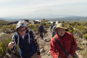 На пути к Мавензи хатс, Килиманжаро