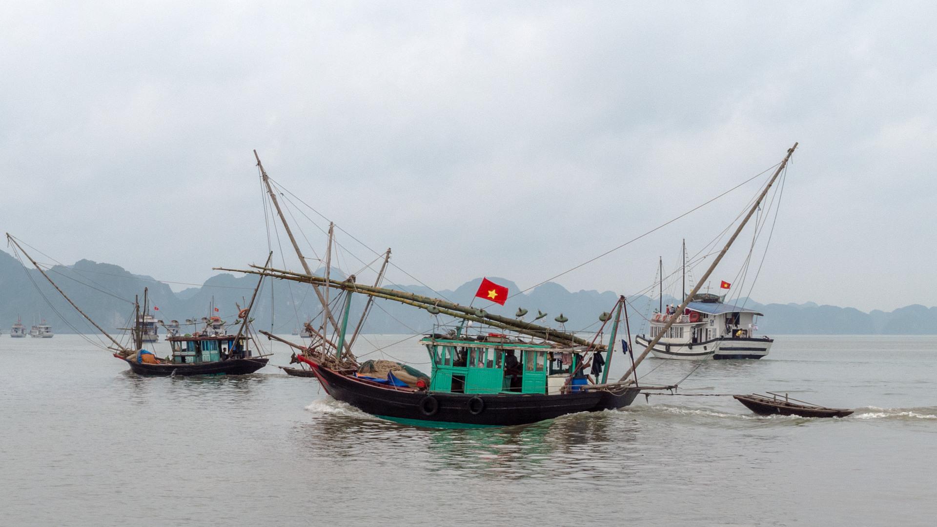 Рыбацкие лодки, Халонг
