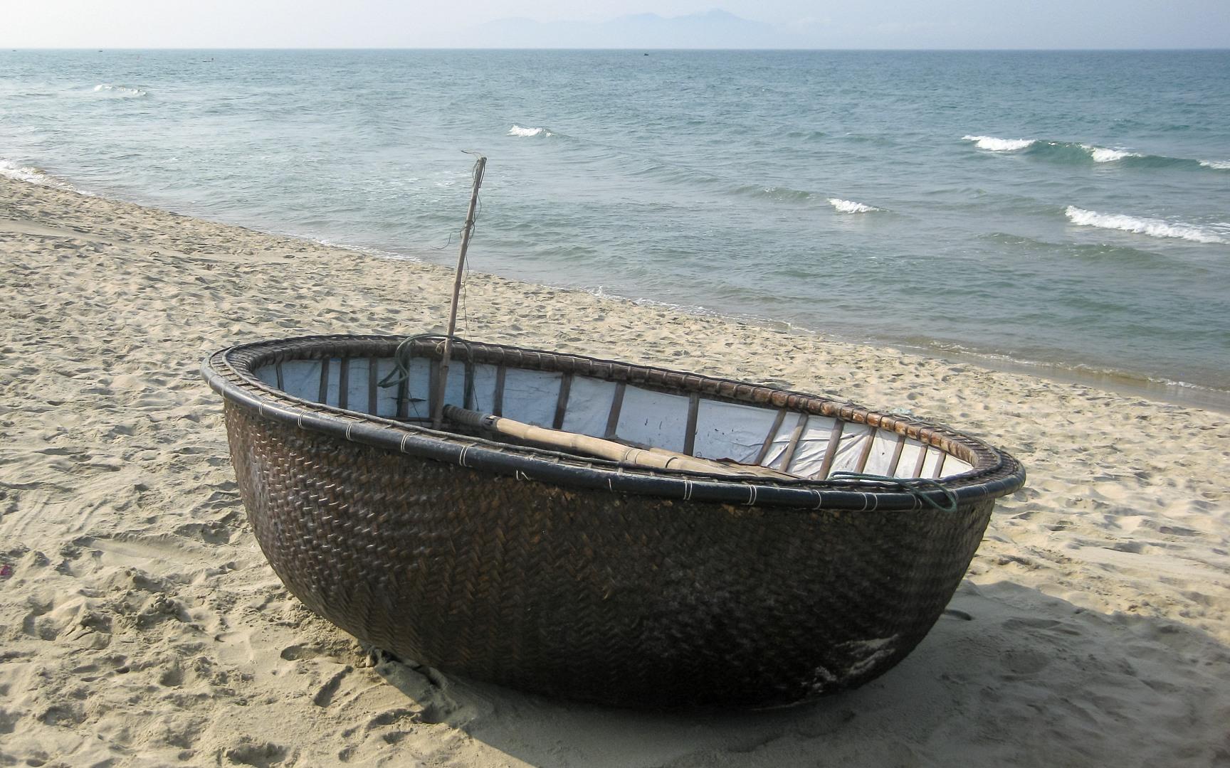 вьетнамская круглая лодка