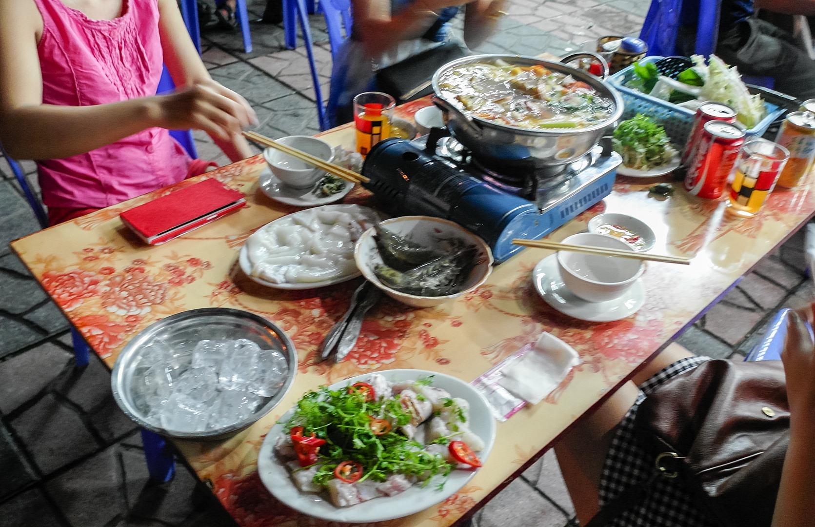 Уличный ресторан, Халонг