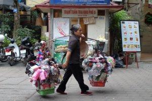 Уличная торговка, Ханой