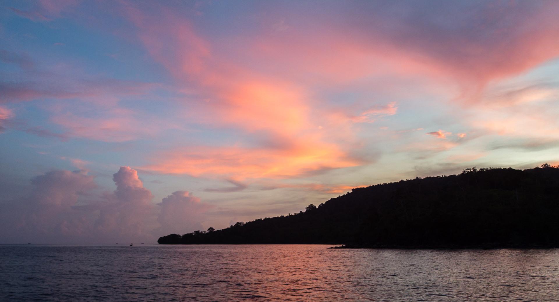 Закат на о. Ко-Ронг, Камбоджа