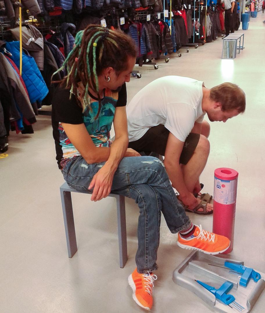 Покупка сандалей