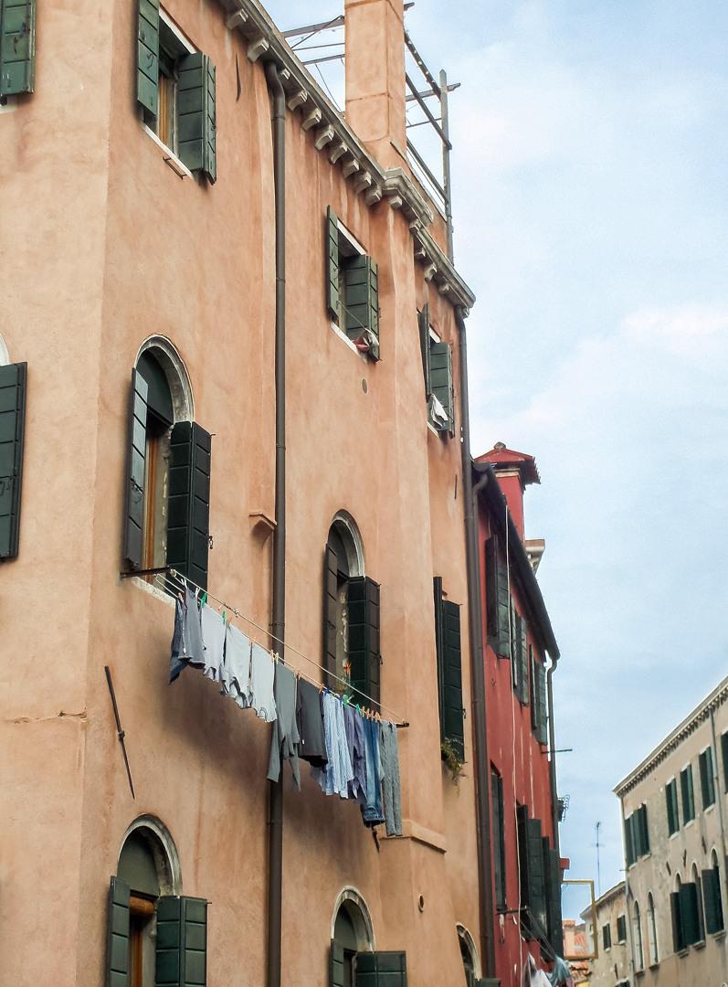 Фасад дома, Венеция, Италия