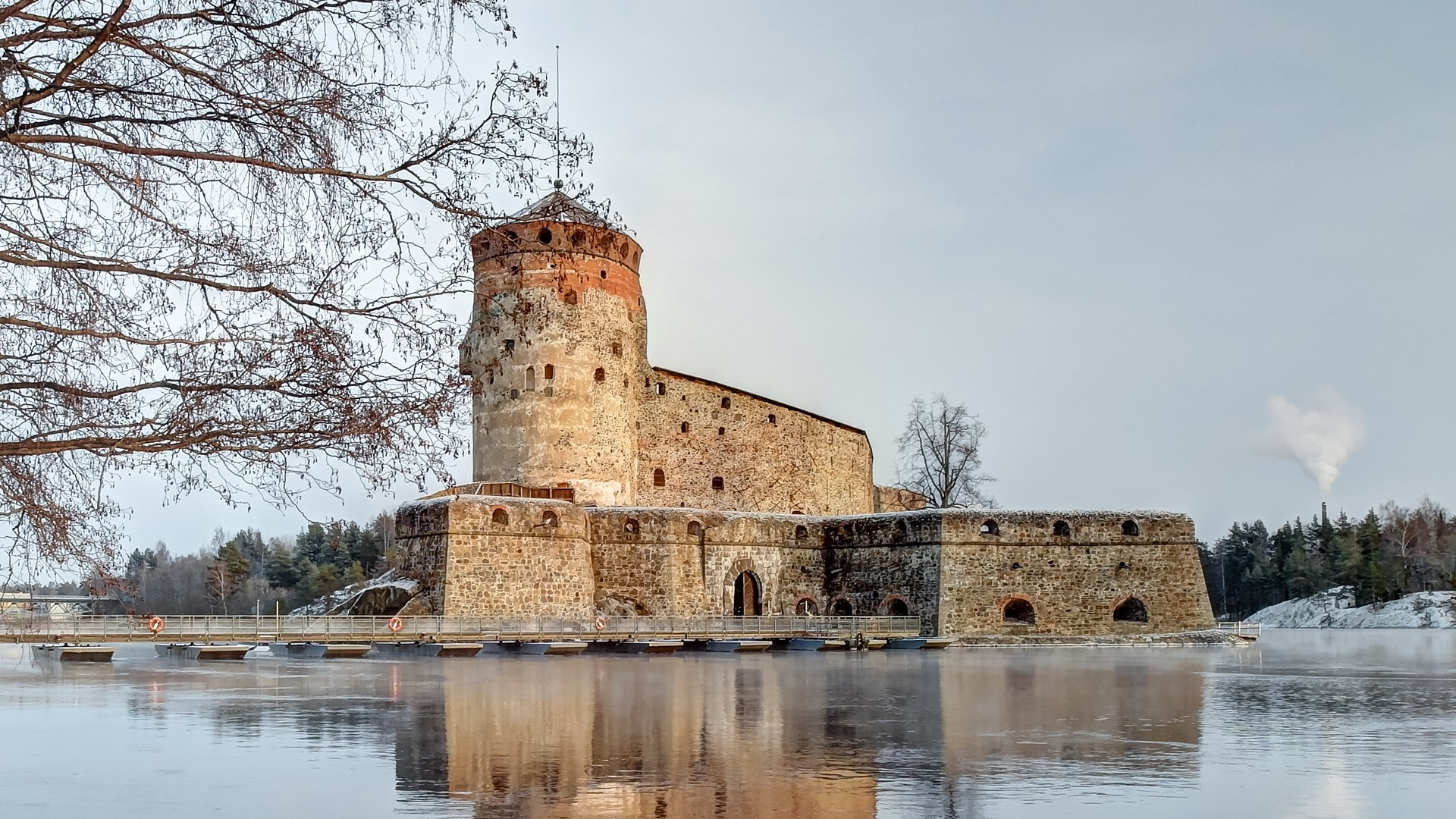 http://fresh-trip.ru/wp-content/uploads/2016/01/Olavinlinna_Savonlinna_Finland_4.jpg